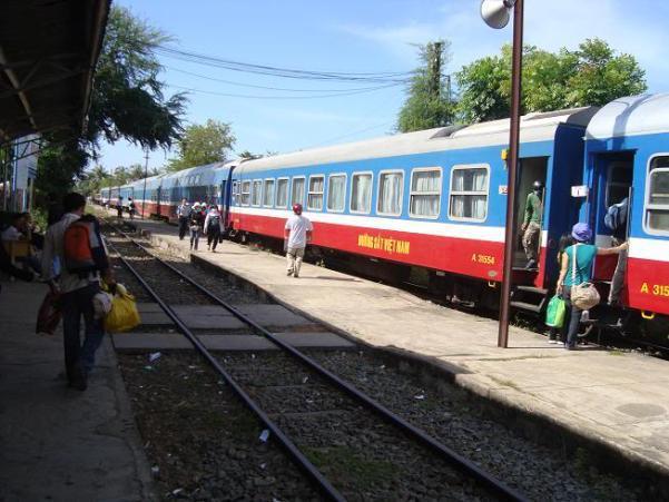Kinh nghiệm du lịch Bình Thuận, Phan Thiết, Mũi Né bằng tàu hỏa 1