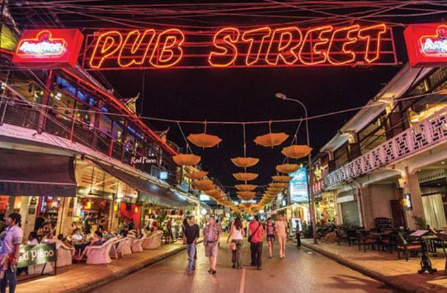 Khu phố Tây - kinh nghiệm du lịch Hồ Chí Minh nên đi đâu